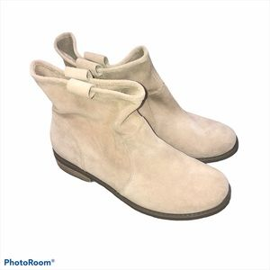 Sole society cream suede ankle boots size 8 1/2